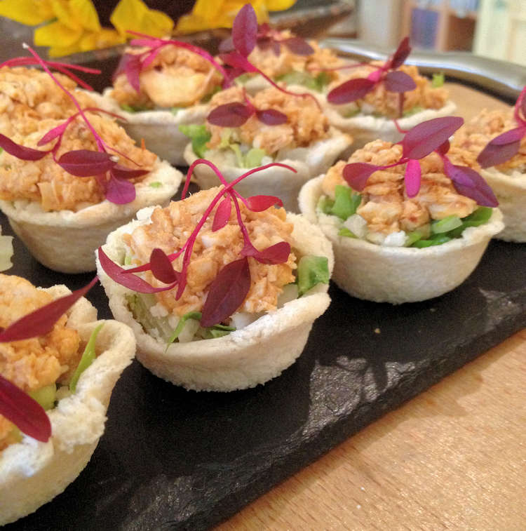 Amazing canapes for parties events corporate or private for Cold canape menu